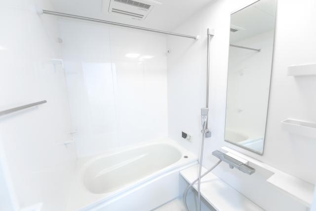 浴室・トイレの換気ダクト清掃によりカビの増殖を抑制