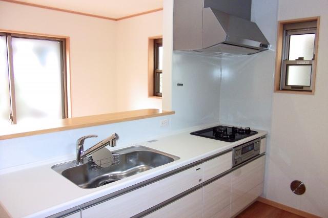 台所のレンジフード分解洗浄によりさわやかな空気を保持