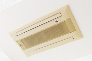 家庭用ハウジングエアコン・埋め込み型エアコン分解洗浄